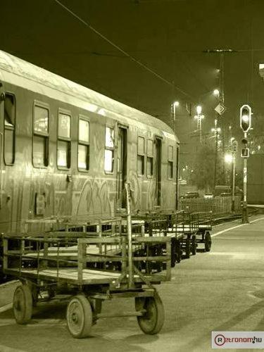 Debrecen vasutállomas éjszak postaszekerek
