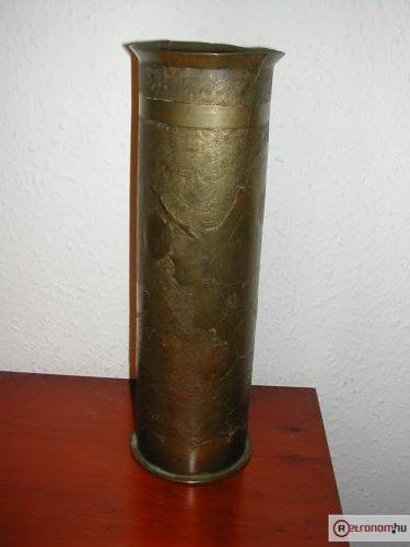Gránáthüvely váza