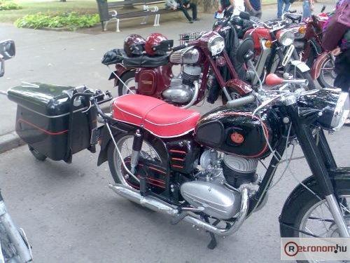 Pannonia motorkerékpár motorkulival