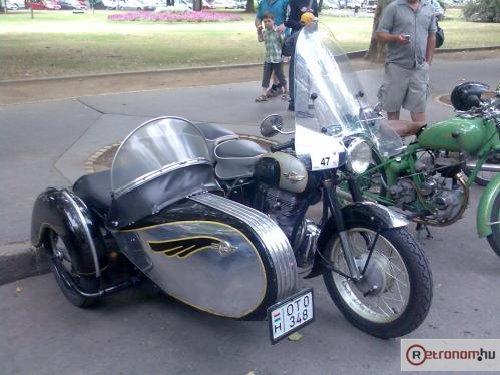 Simson motorkerékpár oldalkocsis