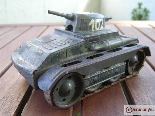 Játék tank