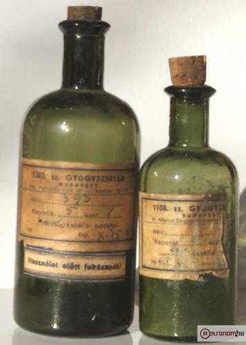 Gyógyszeres üvegek