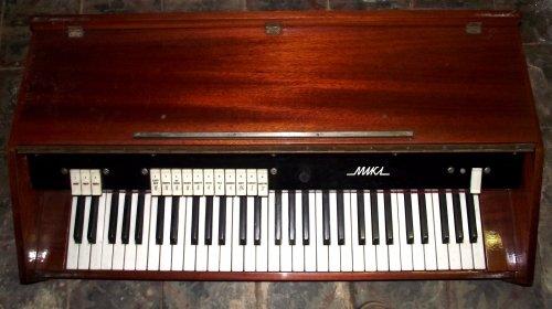 MIKI Szovjet elektromos orgona