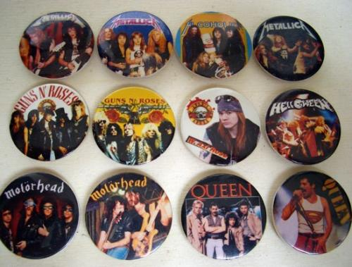 zenei kitűzők a '80-as évekből 3.