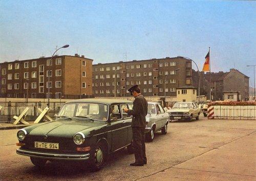 Átkelő Nyugat- és Kelet-Berlin határán