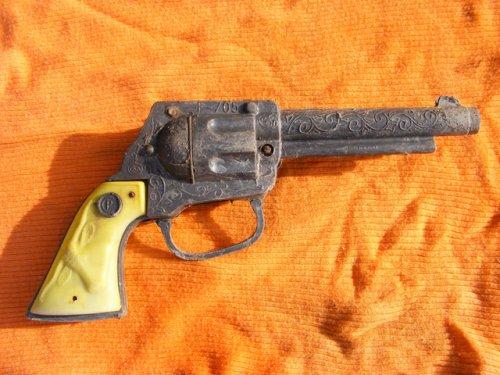 Játék pisztoly