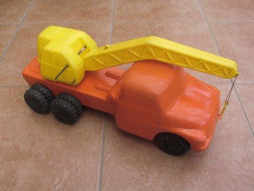 Tátra darus müanyag autó