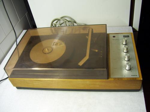 Tesla NZC-071 st lemezjátszó