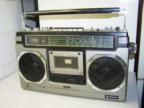 Hitachi TRK-8010 st rádiómagnó