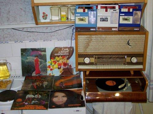 Pacsirta rádió és crystal-tone lemezjátszó