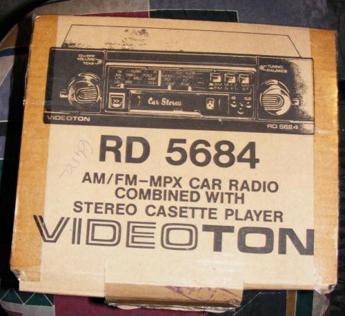 Videoton autó rádiós-magnó doboza