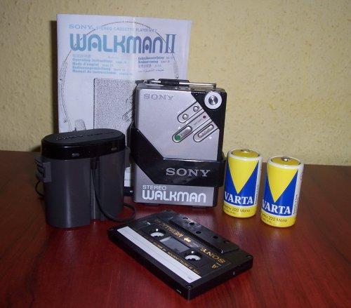 Sony walkman WM-2 eredeti pótelemtartójával!