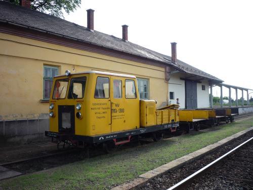 TVGh-1300 vontató v. mozdony?