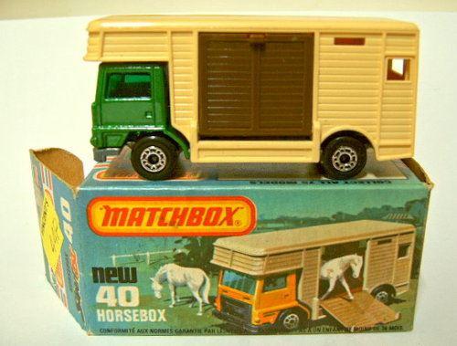 Matchbox Superfast Bedford Horse Box