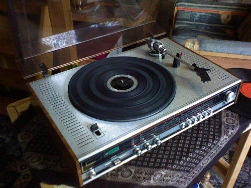 Neckermann lemezjátszó-rádió