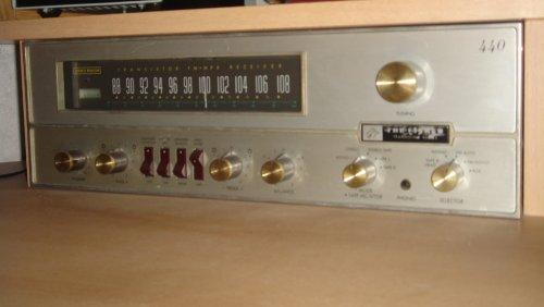 Fisher 440 sztereó rádió
