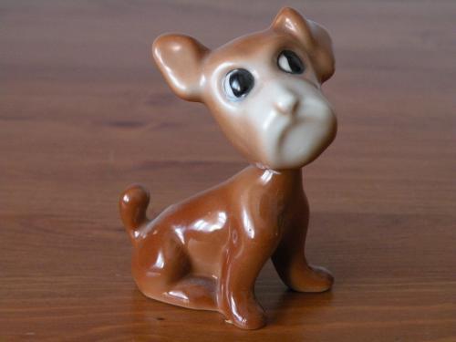 Porcelán kiskutya