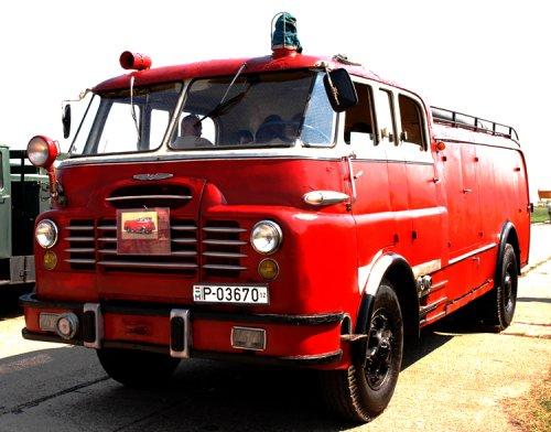 Csepel D-710 (piros)