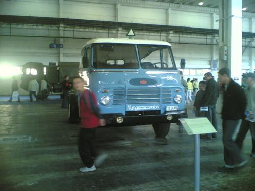 Csepel teherautó Hungarocamion