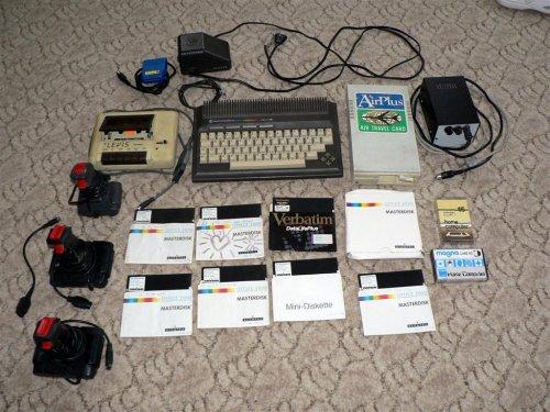 Commodore Plus 4 + kiegészítők