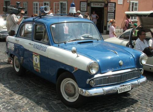 Moszkvics 407 rendőrautó