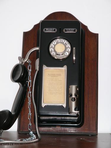 Standard Villamossági Rt. BUDAPEST ( II.sz. kombinált pénzbedobó telefon)