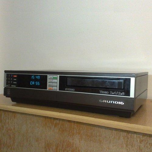 Grundig 2x8 Stereo 2280 Video 2000 Video2000