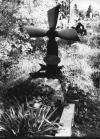 Fejfa repülőgép légcsavarból. Szombathelyi Szt. Márton temető.