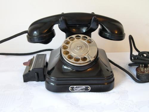 CB 35-ös telefon kihúzható regiszterrel