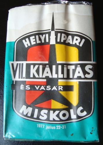 Miskolci kiállítás cigaretta