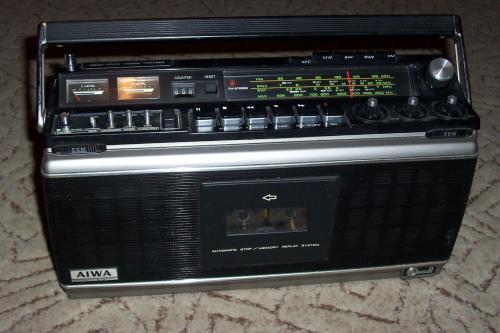 AIWA TPR-930 A 4 Band Cassette Recorder - Radio