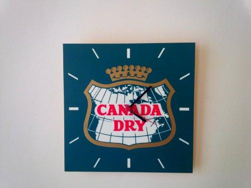 Canada Dry óra