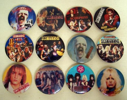 zenei kitűzők a '80-as évekből 2.