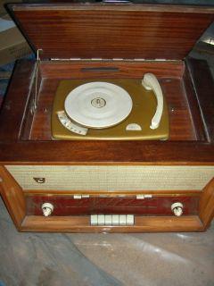 Terta rádió lemezjátszó T 422G