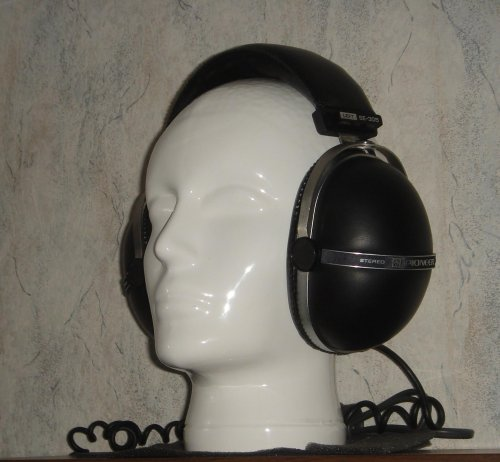 Pioneer SE-305 sztereó fejhallgató