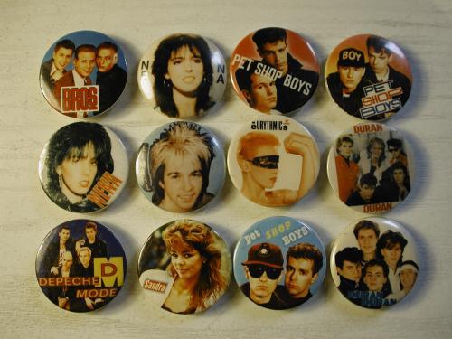 Popzenei kitűzők a '80-as évekből