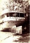Szőke Tisza hajó a parton