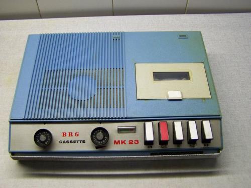 BRG MK 23 magnetofon kék
