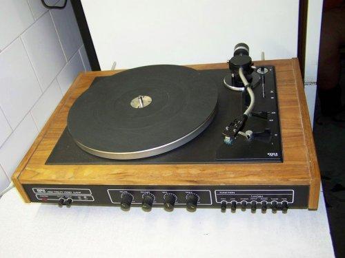 Tesla NZC-431 st lemezjátszó