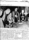 XXIII. János pápa aláirja az enciklikáját